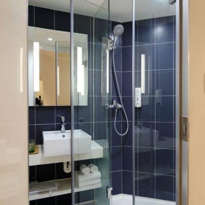 apartment-architecture-bath-towels-271631